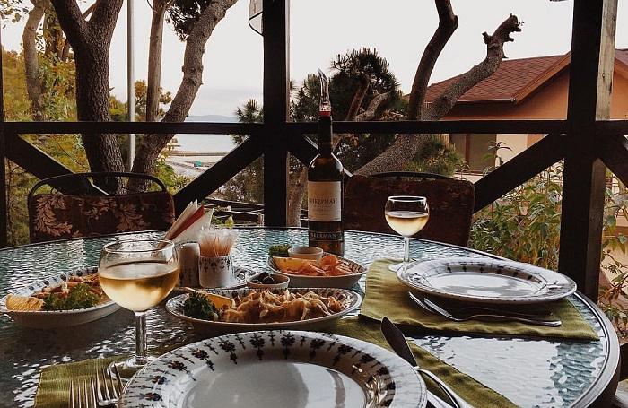 Фото Ресторан на Набережной Алушты