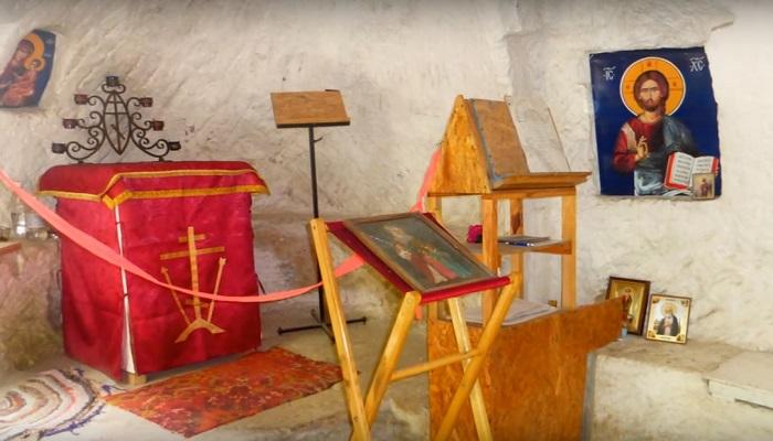 Фото Древний монастырь близ Бахчисарая