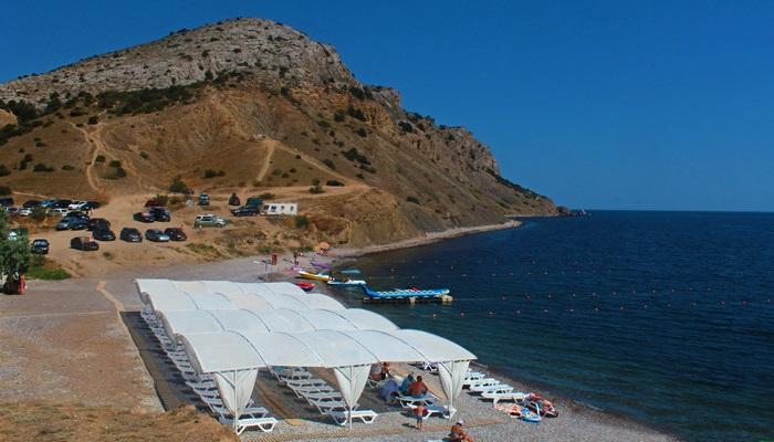 Пляж за мысом Алчак
