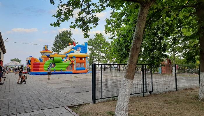 Детский надувной дворец на Набережной Керчи