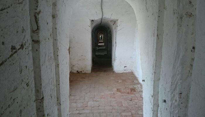 фото подземные ходы Керченской крепости
