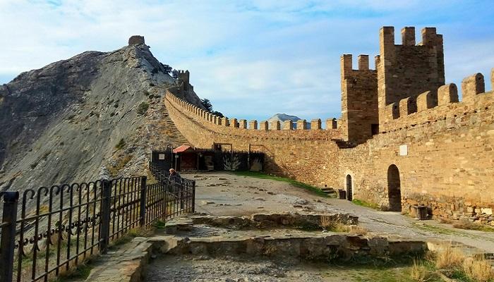 фото Генуэзская крепость в городе Судак