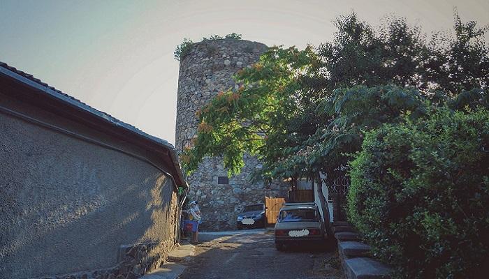 фото башня крепости Алустон