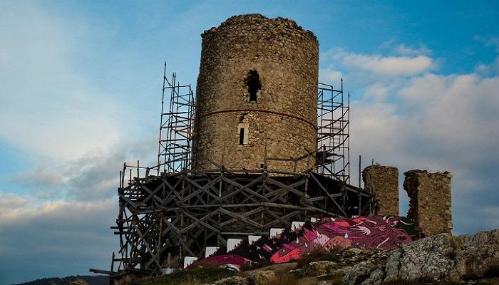 фото башня крепости Чембало
