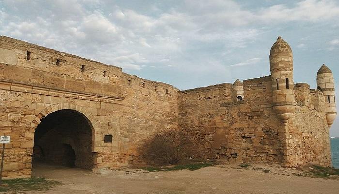 фото ворота оборонительного сооружения Керчи