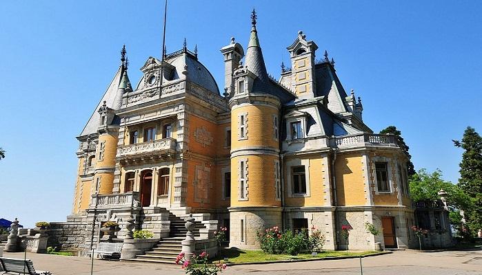 Фото Массандровский дворец в Ялте