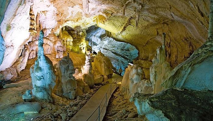 Фото Мраморная пещера в Крыму