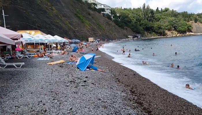 Пляж Черный бугор в Алупке