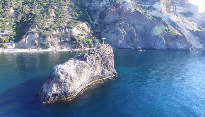 Крестовая скала близ монастыря на Фиоленте