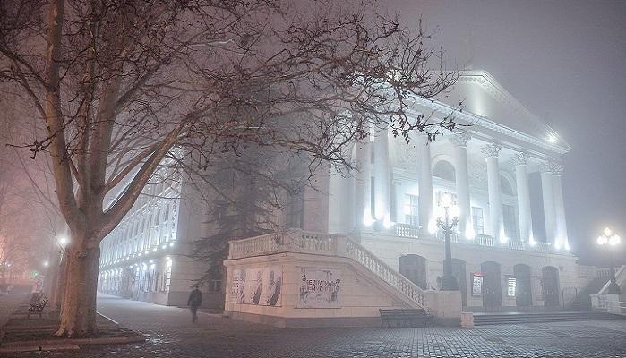 фото Театр имени Луначарского в Севастополе