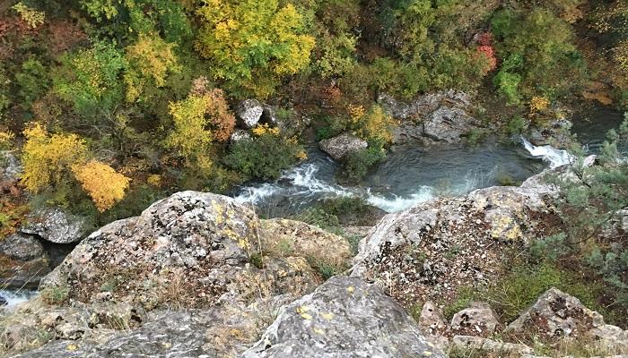 Фото Туристический маршрут в Чернореченском каньоне