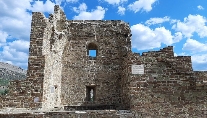 Башня Лукини ди Фиески ди Лаванья Судакской крепости