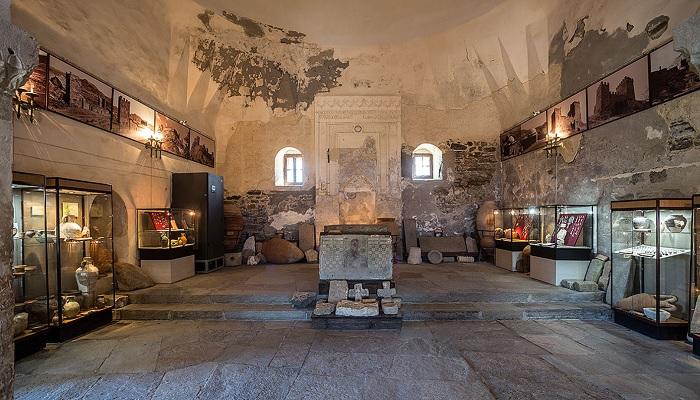 Зал Храма с аркой в Судакской крепости