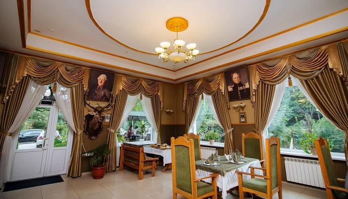 Интерьер ресторан Граф Кутузов Алушта