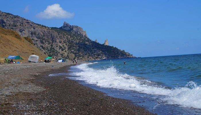 Пляж автокемпинга Веселовской бухты Крым