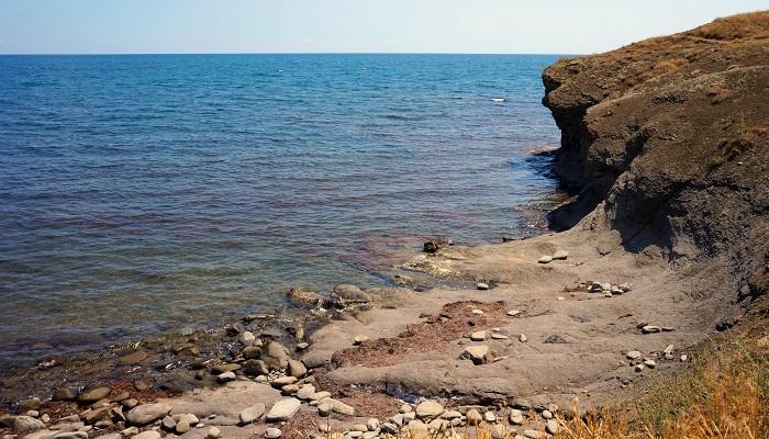 Веселовская бухта Крым каменистый пляж
