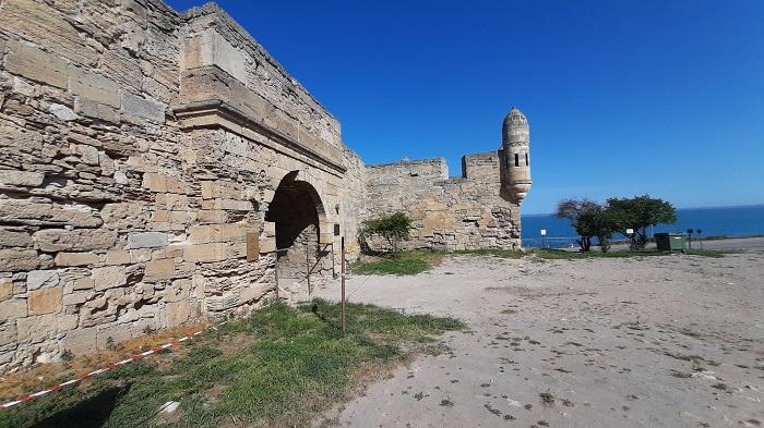 Крепость Еникале на берегу Керченского пролива