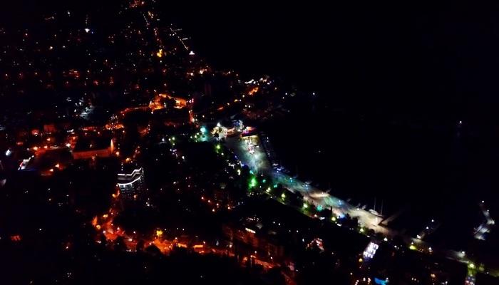 Ночная жизнь в Ялте