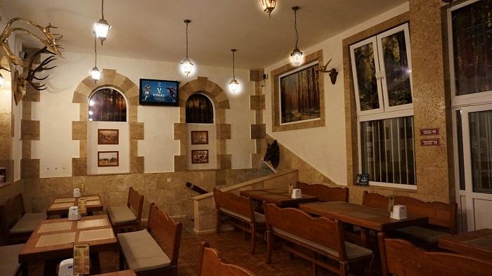 Фото Интерьер кафе Стрелец в Ялте