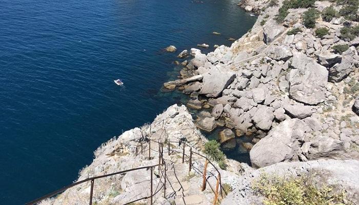 Лестница на скалу Дива в Крыму