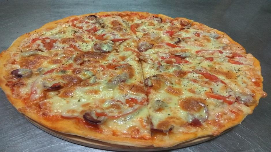 Пицца в траттории Папа Карло